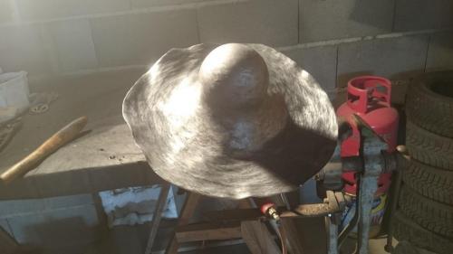 façonnage d'une boule en plomb